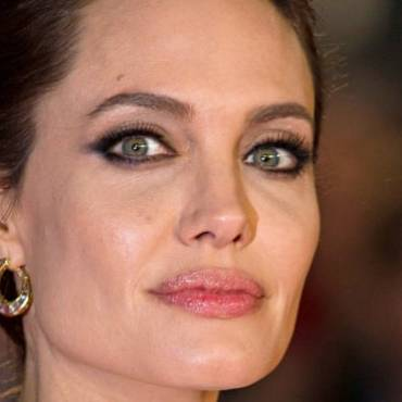 Angelina Jolie to rule over film of Catherine the Great